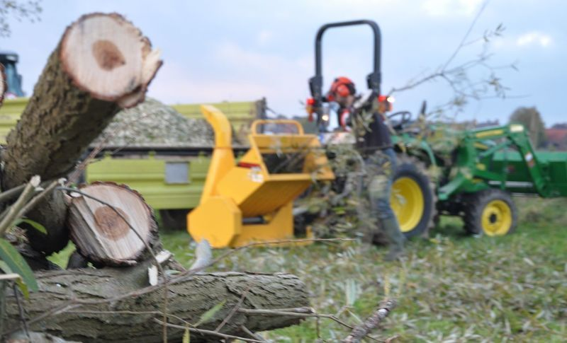 Buy or rent a wood chipper? Some tips at a glance! - News - Blog